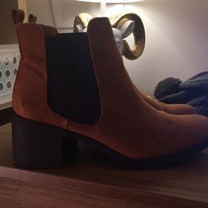 HM Chelsea-style Boots - Women's Tan